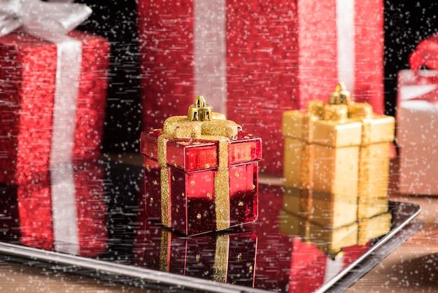 タブレットとヘッドフォンの最高のクリスマスプレゼント