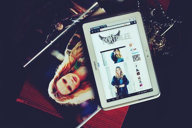 Tablet on magazines
