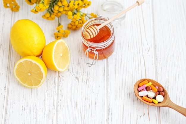 Tablets honey and lemon. means of treatment.