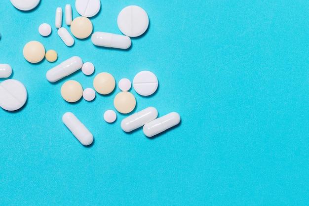 Таблетки, витамины и пищевые добавки
