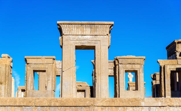 이란 페르 세 폴리스에서 다리우스의 타 차라 궁전