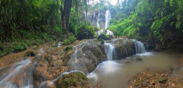 Водопад тад садао, канчанабури, таиланд