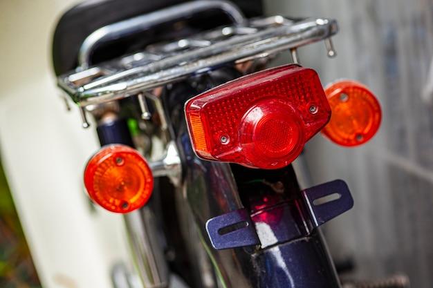 ヴィンテージバイクのテールライト2