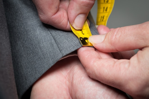 Tailor measure clothes