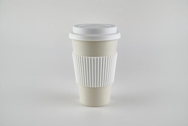 孤立したコーヒーカップをテイクアウト