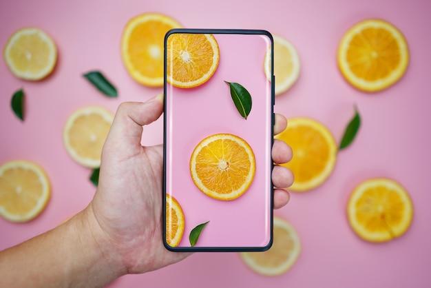 Съемка с бесконечным дисплеем смартфон