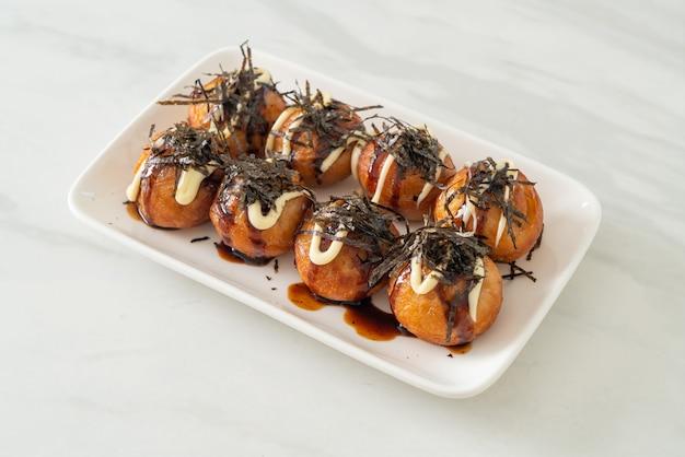 Пельмени такояки с шариками или шарики из осьминога - японская кухня