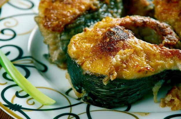 Takoz palamut 튀긴 생선 터키 요리