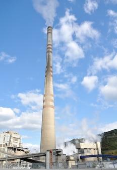 背の高い煙突