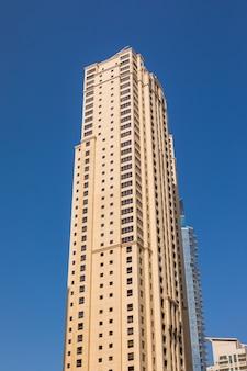Alti grattacieli di dubai marina negli emirati arabi uniti