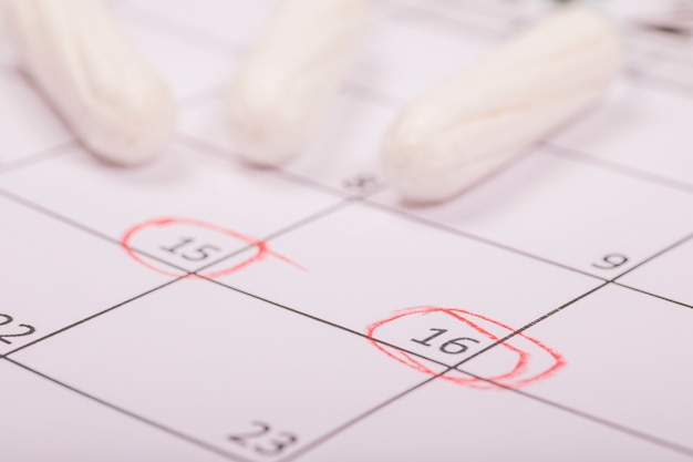 Tampons on calendar