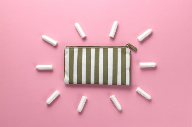 タンポン、女性用生理用ナプキン重要な日に衛生管理。