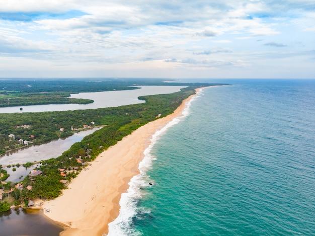 Воздушный пляж tangalle шри-ланка