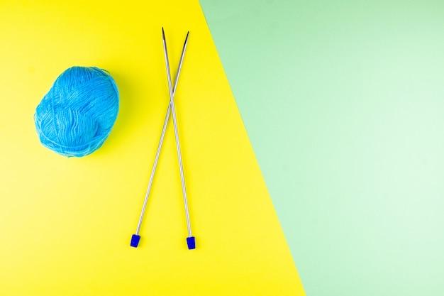 Tangle and knitting needles