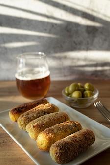 Тапас тарелка с крокетами испанские тапас