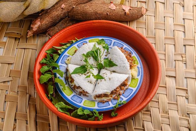 고기 치즈와 버터를 곁들인 타피오카 브라질 북동부 대표 음식