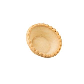 白い表面に隔離されたスナック用のタルト。おやつ用の焼き菓子。