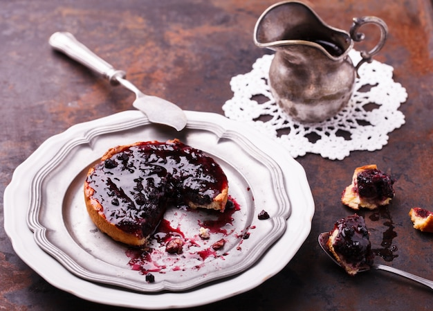 Tartlet with blueberry jam.