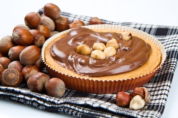 초콜릿과 헤이즐넛 크림이 들어간 타르트 렛트