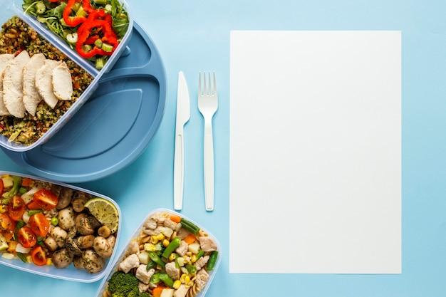 空のカードでおいしいバッチ食品調理された品揃え
