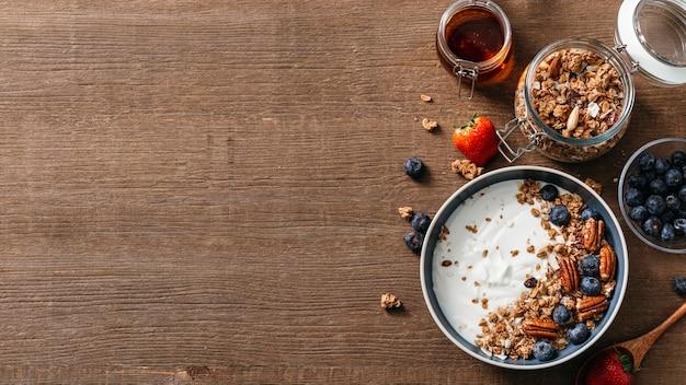 Disposizione gustosa colazione pasto con copia spazio