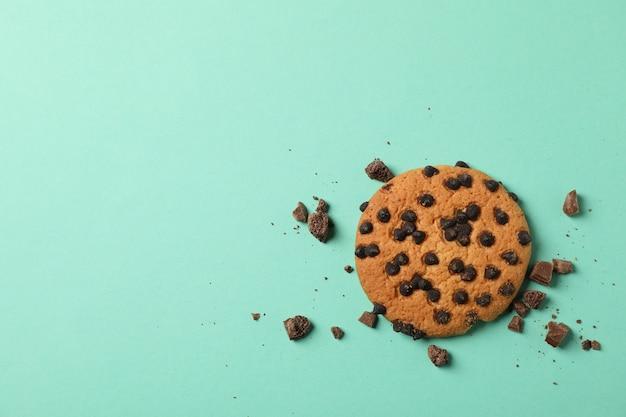 민트 바탕에 맛있는 초콜릿 칩 쿠키