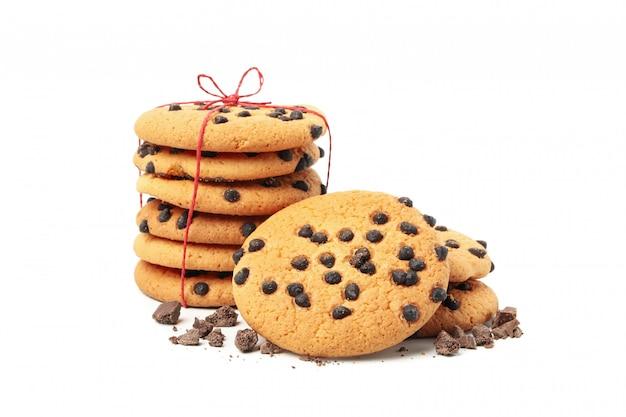 흰색 배경에 고립 된 맛있는 초콜릿 칩 쿠키