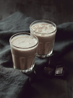Вкусные шоколадные молочные коктейли.