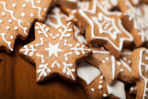 배경에 맛있는 크리스마스 쿠키