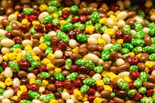 子どもたちのお気に入りのお菓子、色とりどりの美味しいお菓子