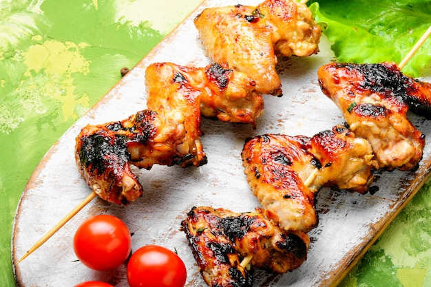 Вкусные куриные крылышки на гриле