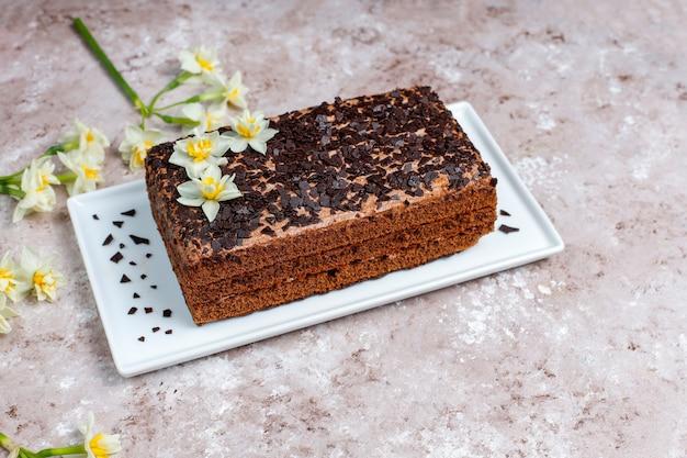 おいしい自家製チョコレートトリュフケーキとコーヒー
