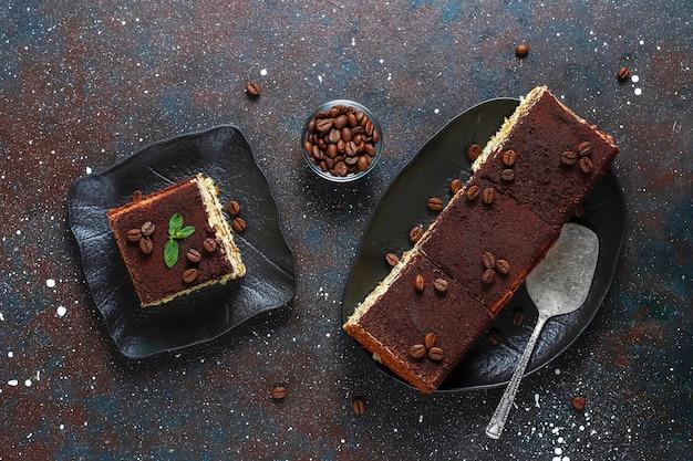 おいしい自家製ティラミスケーキ。