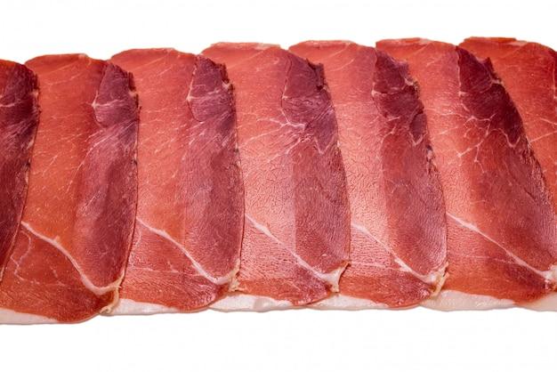 Вкусное мясо тонко нарезанным хамоном