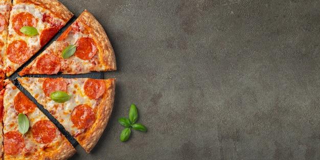 Tasty pepperoni pizza.