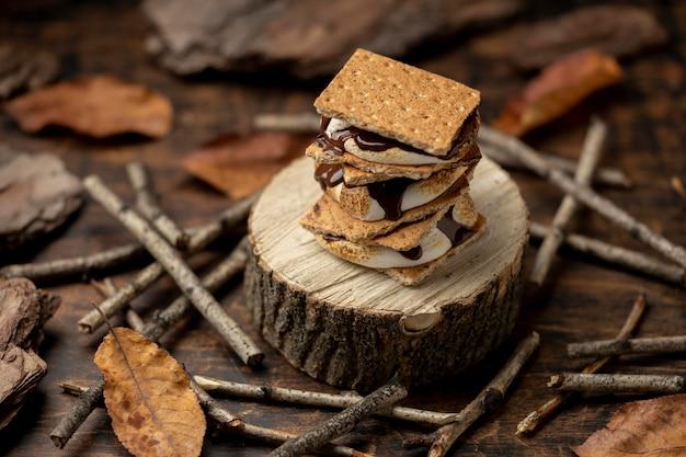 Вкусный десерт s'mores