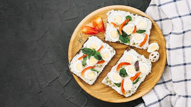 Вкусные бутерброды на борту