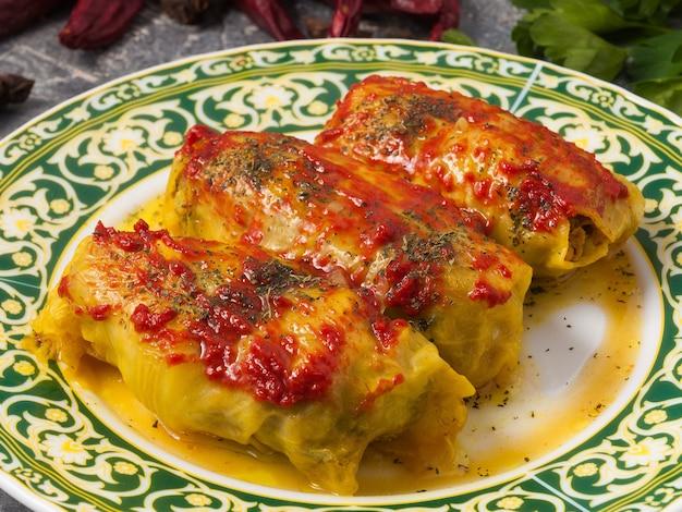 肉とトマトのおいしいロールキャベツ。