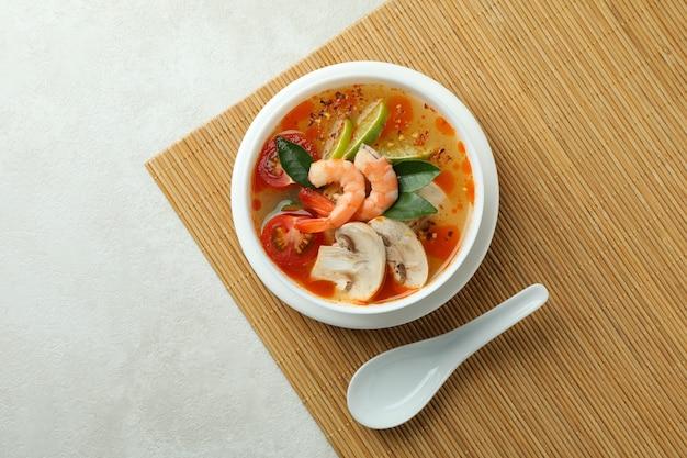おいしいトムヤムクンスープ 竹マット