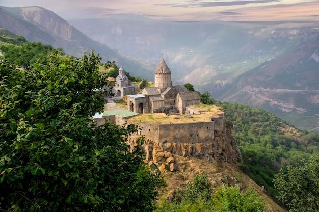 Татевский монастырь 9 век армянский апостольский монастырь сюникская область на юго-востоке армении