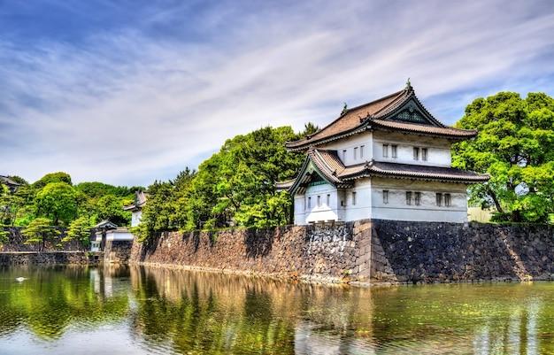 Тацуми ягура, оборонительная башня императорского дворца в токио