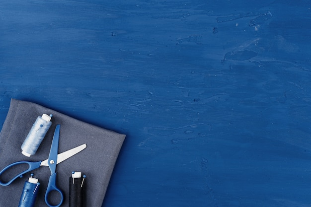 Аксессуары tayloring на классическом синем