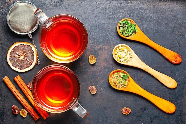 Композиция чайных принадлежностей в деревенском стиле