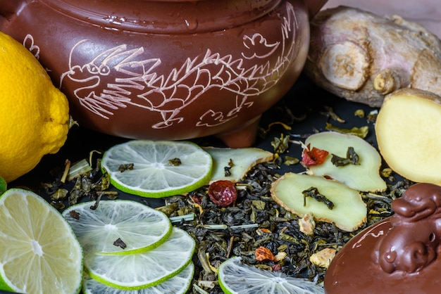 Tea beverage with lime and ginger