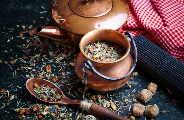Tea leaves background