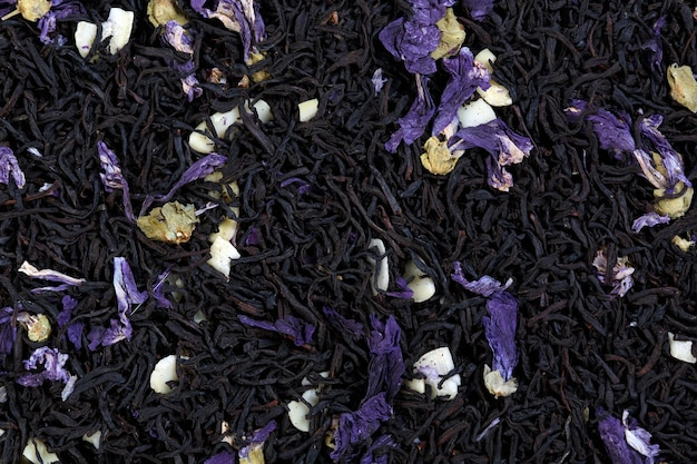 Чайный микс из лепестков мальвы, миндаля, со вкусом шоколада. макро фото