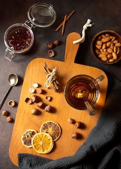 布にお茶の冬の飲み物