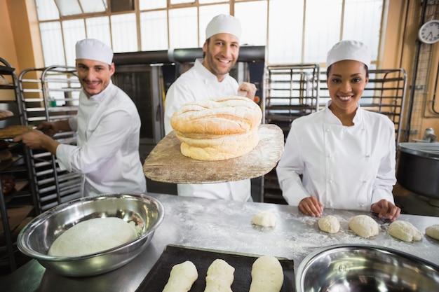 一緒に働くパン屋のチーム