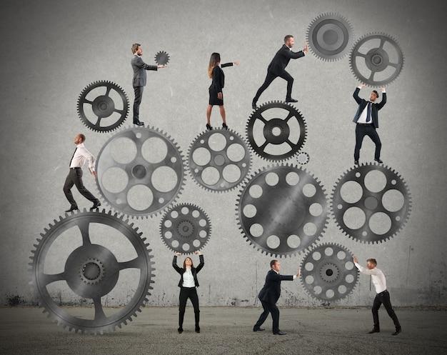 기업인의 팀워크는 기어 시스템에 협력