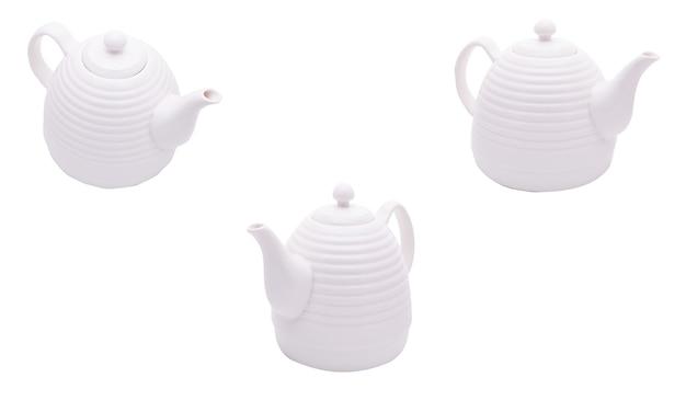 Чайник на белом фоне изолированы. релаксация здоровый образ жизни